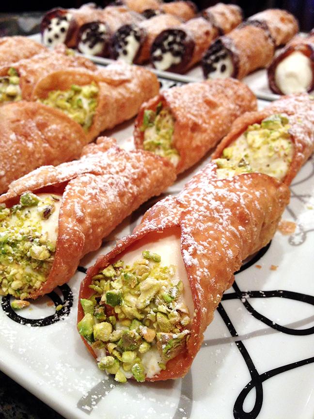 cannoli-pistachio