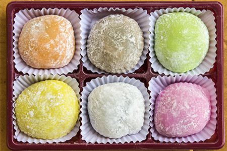 Mochi-Ice-Cream-Of-All-Colors